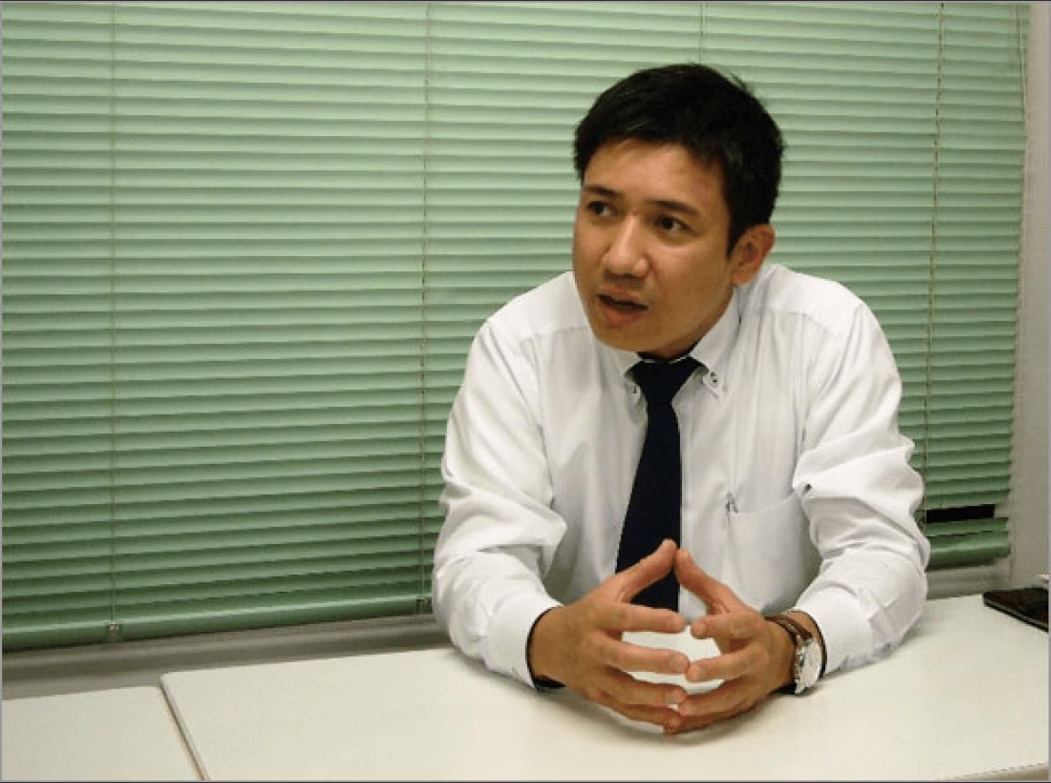 「ナレッジリングを導入して情報共有がスムーズになった」と語る、日本歯科工業社・営業本部 営業1課長の北別府氏